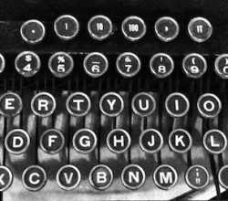 Old-typewriter-keyboard