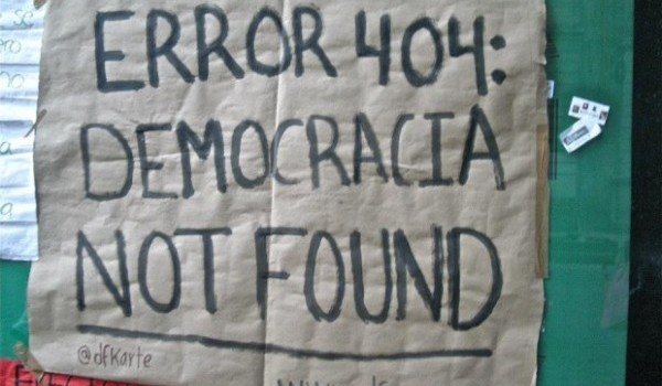 yosoy132-Error-404-democracia-not-found-620x400-600x387