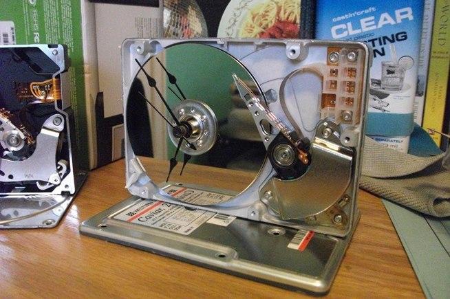 """Cómo fabricar un disco rígido portátil """"casero"""""""