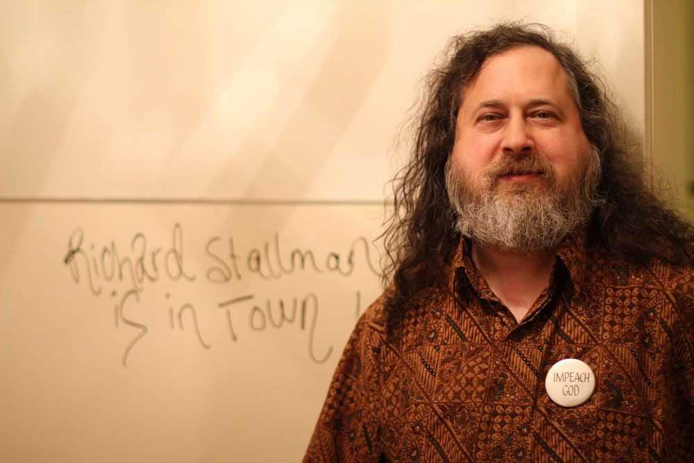 Dale manija: este jueves charla de Richard Stallman en Mendoza